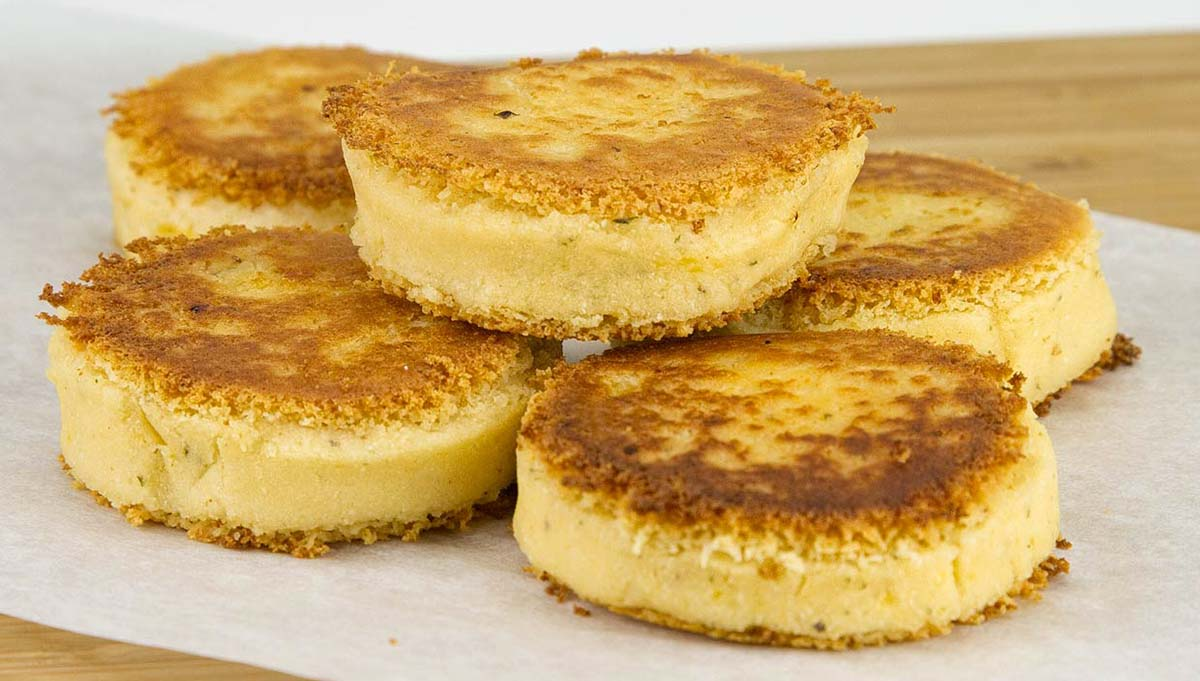 Cheesy Crunchy Pan-Fried Polenta Cakes