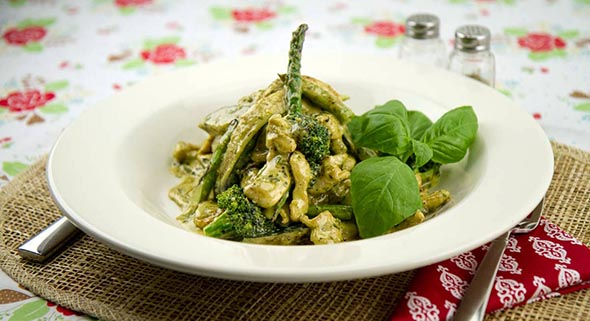 Creamy Pesto Chicken Primavera