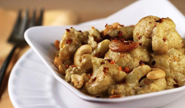 One-Pot: Creamy Paleo Cashew Curry Cauliflower