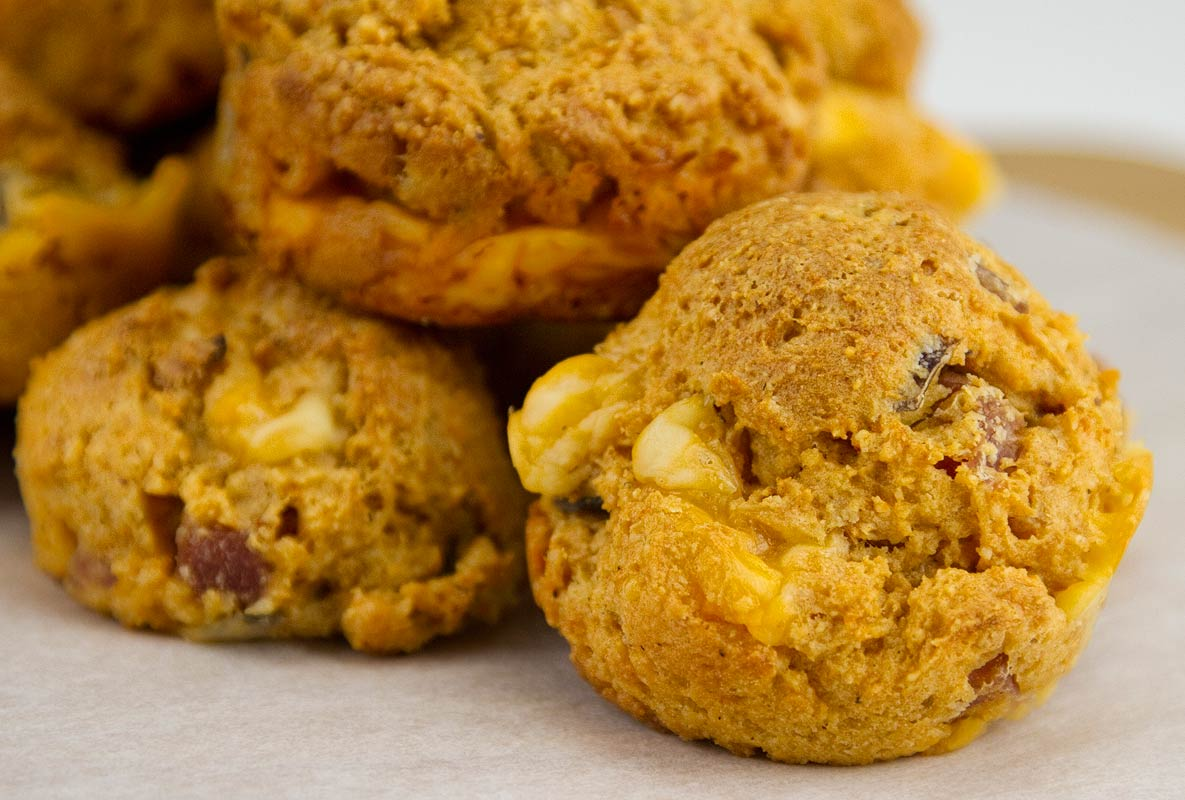 Spicy Ham and Cheddar Muffins